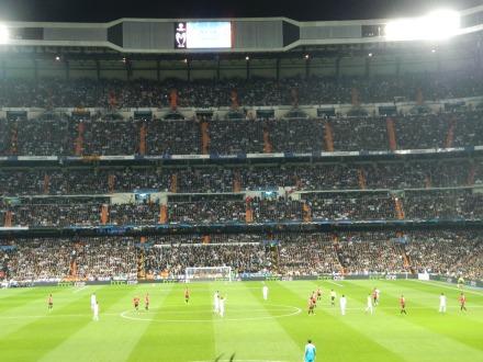 Estádio lotado para ver Real Madrid x Manchester United.
